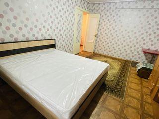 Chirie o odaie din apartament 100 euro