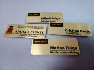 Tipografia Business Imperiu realizeaza ecusoane personalizate de metal cu magnet