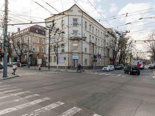 Bănulescu-Bodoni, chirie 440 m.p. oficiu, 5500 €