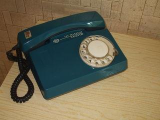 Телефонный аппарат дисковый.