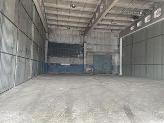 Сдаем производственно-cкладское помещение 400м2! 5,0м потолки! Две двери!