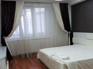 Oferim spre chirie apartament cu 3 camere, sect.Centru/str.Lev Tolstoi 26B!