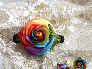 Радужная роза -Заколка для волос из полимерной глины+ Колечко с розочкой в подарок!