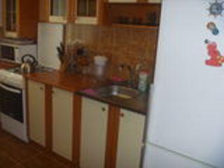 продаётся 2-х комнатная меблированная квартира в центре г.Флорешть.заходи и живи.