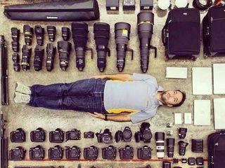 Cumpar obiective si fotoaparate fototehnica Canon , Nikon , Zeiss Leica , Hasselblad ,  de urgenta