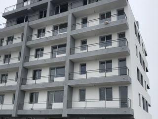 Bucuresti. Garsoniere duble, apartament doua, trei camere semi/ decomandat