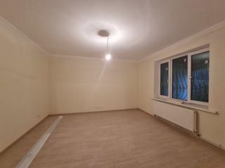 Apartament cu ograda proprie!