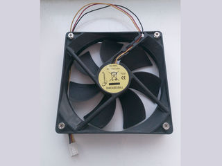 Вентилятор 12х12см