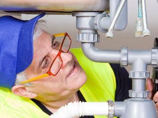 Instalator, santehnic profesional cu experienta in Chisinau. Desfundarea canalizatiei. Сантехник