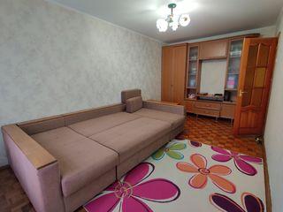 Se dă în chirie apartament cu două camere pe termen lung în sectorul Telecentru