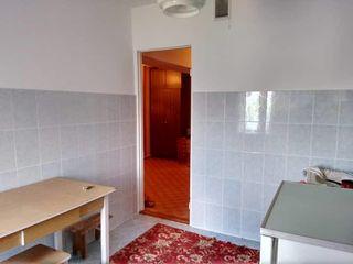 Se vinde apartament cu 2 odai in orasul Falesti