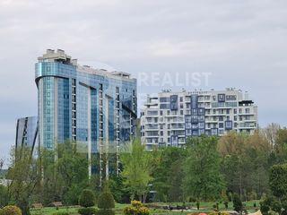 Apartament cu vedere spre parcul Dendrariu, pe bd. Ștefan cel Mare și Sfânt, Centru