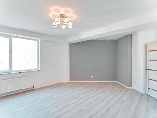 Vinzare apartament  2 camere  Centru  Melestiu  Reperație  650€ / 1m