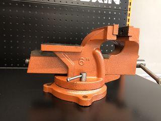 Тиски слесарные 150 mm Wokin