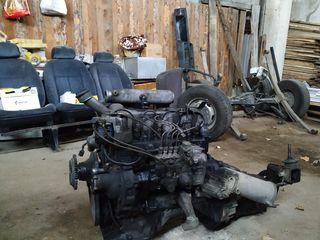 Двигатель мерседес 207D  Botos  T1    2.4 дизель !!!