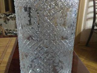 Cadou vaze din Cristal  in asortiment  pret  250 lei.