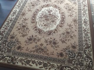 Ковер (Carpeta Ungheni) 3,5x2,5м, отличное состояние – 1000 лей.