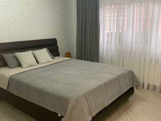 Centru,110 000 euro,casa/apartament noua,270 m/2,cu 2 nivele,500m de la orheiland,sau kirie 600 eu