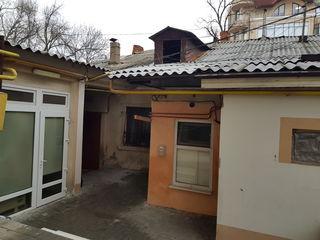 Bernardazzi, Centru 2 camere separate 33m2.