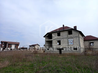 Vânzare casă 2 nivele, teren 10 ari, priveliște superbă, în apropiere de Chișinău!