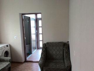 меняю на 2 или 3 комнатную квартиру(торг)