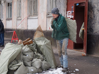 Evacuam gunoi din locuinte