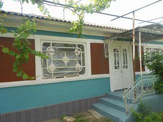 Se vinde casă cu un nivel,suprafață totală de 16 Ari,sat.Revaca(apropiere de Chisinău)