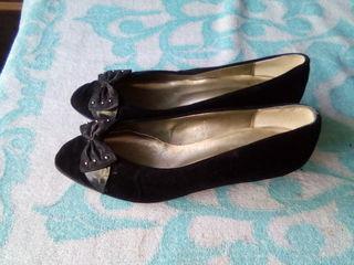 Туфли замшевые с бантиком , на маленьком каблучке
