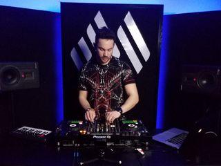 Scoală de DJ / Школа диджеев