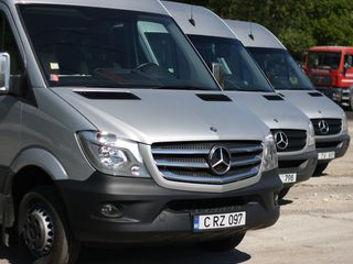 Autocar - Micrbuze - Minivanuri - la comandă