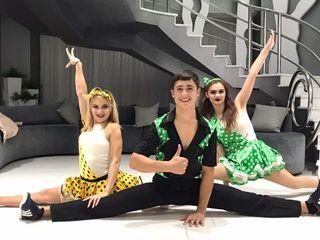 Dansatori divertis dance-show