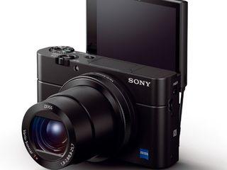 Компактная топовая камера SONY RX100 III с уникальной технологией автофокусировки