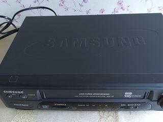 """Продается видеомагнитофон  """"Samsung"""" и DVD/CD  """"LG"""""""