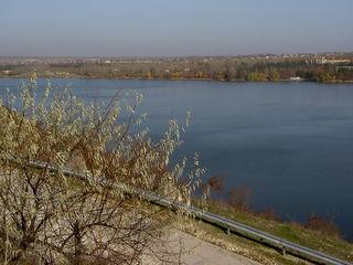 Участок 1га на берегу Днестровского водохранилища