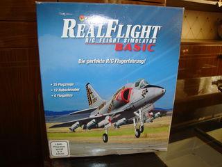 Simulator cu 35 modele de avioane si elecoptere reale. in moldova nu este asa ceva.
