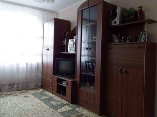 Se vinde apartament cu 2 odăi (mobilat). In centru or. Strășeni.