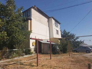 Se vinde apartament cu 1 camera in Colonita in casa cu 3 etaje(etajul 3) 38m2
