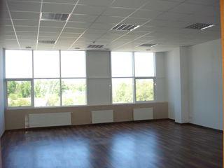 Сдам под офис 30-170м2 на первой линии в центре Кишинева!