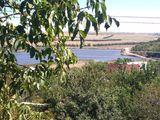 Продается дача на берегу озера в максимовке.