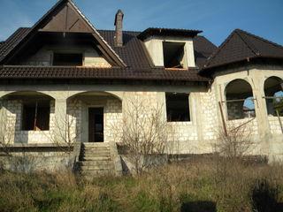Дом для тех кто понимает толк в экологии. Телец. 270м, 12сот. Элит. р-н. Соседи не давят. 255000е