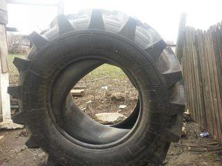 Vind 2 anvelope de tractor  belshina