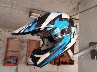шлем Acerbis.
