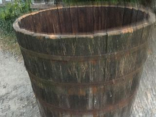 Cada pentru  vin.lemn pin,./sosna/ +- 750 L.