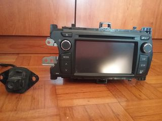Toyota radio dvd  bluetooth  tochscreen camera