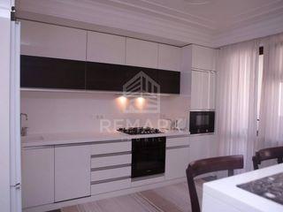 Vânzare apartament cu 3 odăi, str. Alba Iulia, bloc nou 110000 €