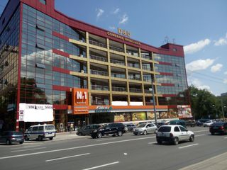 Arenda!!! Business centru D&D str.A.Russo, prima linie Chirie 30 mp