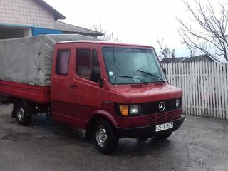 Mercedes 307