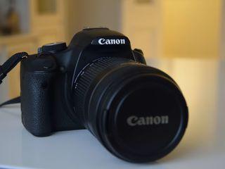 Canon 500D + obiectiv 18–135 mm ca nou