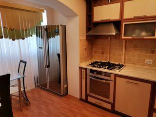 Продается 3-комнатная квартира с автономным отоплением 70 кв.м.  этаж 5 из 9 середина. Новая планиро