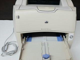 Лазерный принтер HP LaserJet - 1200 лей